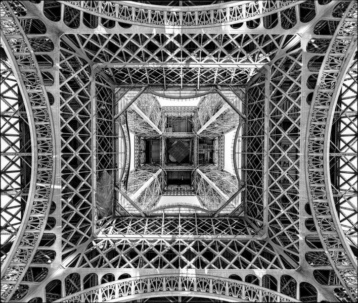 Eyfel Kulesi, Paris. Alejandro Merizalde/National Geographic Travel Photographer of the Year Contest